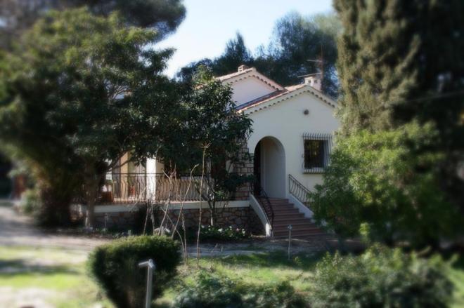 Villa de 90 m2 sur 1350 m2 de jardin